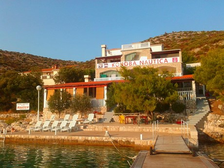 Apartments Anthony, Island Lastovo