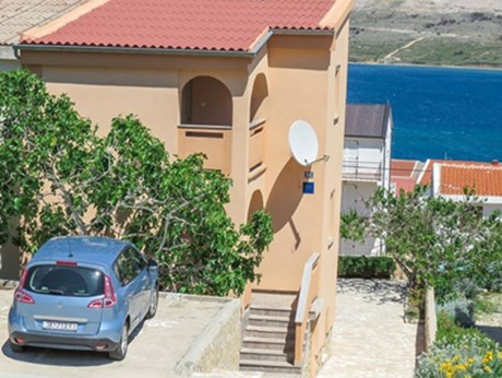 Apartments Borić, Pag - Apartments385.com
