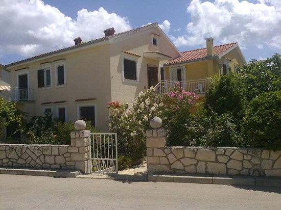 Apartments Filipas, Cres
