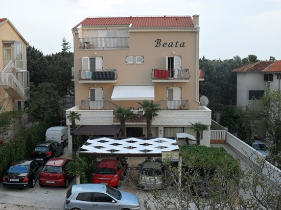 Apartments and rooms Beata, Selce