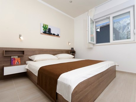 Apartments and rooms Turist, Makarska