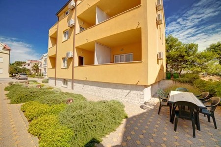 Apartments Iris, Vodice