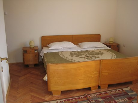 Apartments Jakovčev, Betina - Apartments385.com