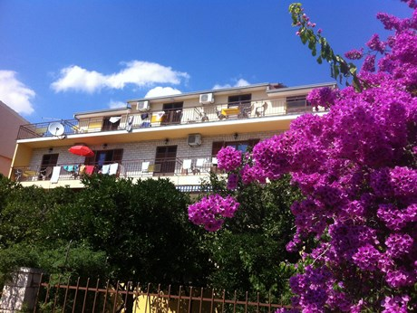 Apartments Slaven, Podgora