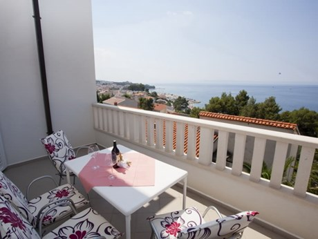 Apartments Villa Đurđica, Baska Voda - Apartments385.com