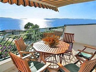 Apartments Villa Seaview, Island Ciovo - Apartments385.com