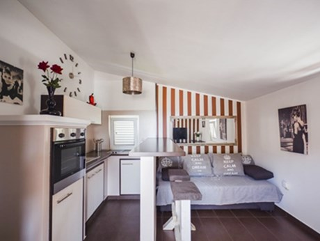 Apartments and rooms Artistik, Vodice