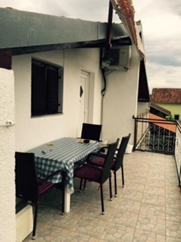 Apartments Bračić, Pirovac - Apartments385.com