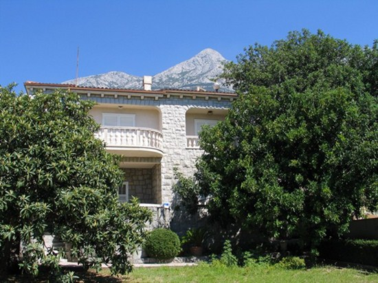 Apartments and rooms Karmelo, Makarska