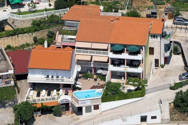 Apartments Fortuna, Omis