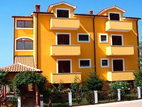 Apartments Lipovec, Novigrad