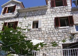 Apartments and rooms Lucija, Hvar