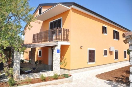 Apartments and rooms Majda, Umag