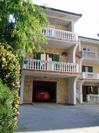 Apartments Mario & Iva, Lopar