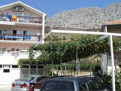 Apartments Mihovil, Omis