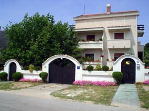 Apartments Sandra, Biograd