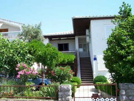 Apartments Tintor, Selce