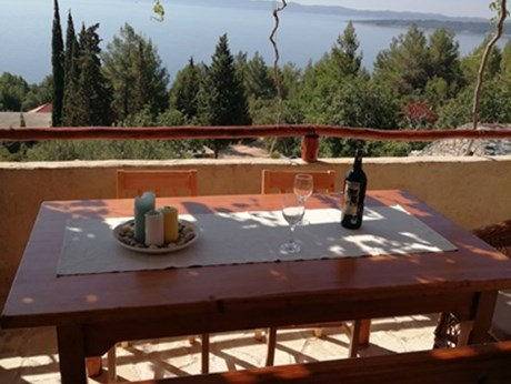 Cottage house Ostojić, Island Hvar - Apartments385.com