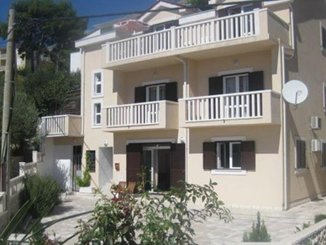 Apartments Villa Roza, Omis